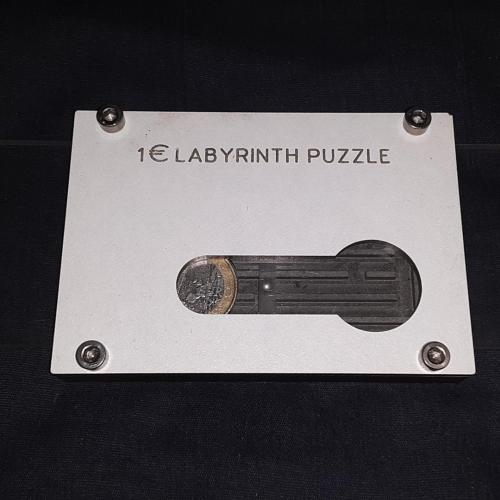 1 Euro Labyrinth Puzzle