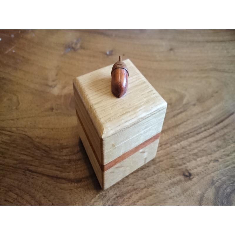 Acorn Box - Karakuri Creation Group - Hiroshi Iwahara
