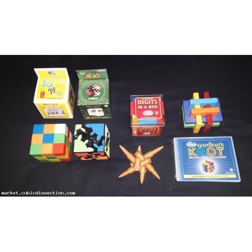Lot of 5 plastic mechanical puzzles